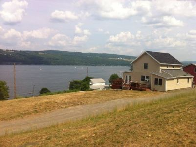 Seneca lake vacation rentals for Cabin rentals vicino a watkins glen ny